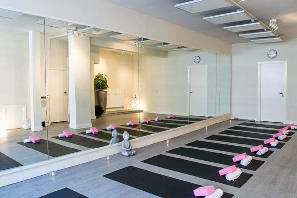 yoga-school-amsterdam-bikram-yoga-600px-v15
