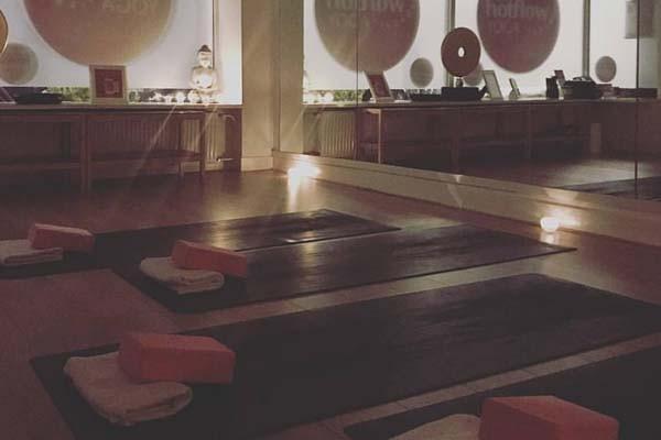 yoga-school-amsterdam-bikram-yoga-600px-v9