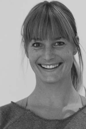 yoga-school-amsterdam-teacher-Anna-Scott-Miller