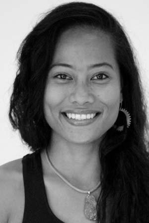 yoga-school-amsterdam-teacher-Giselle Tribaco-Halleux