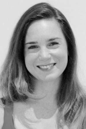 yoga-school-amsterdam-teacher-Veronica Santini